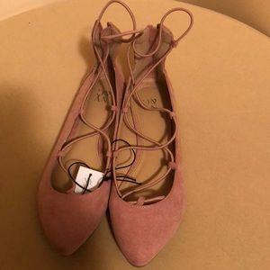 NY & CO. Women's ballerina shoe w/rear zipper NWT
